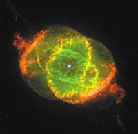 Nebula Mawar Merah itu sebenarnya lebih berwarna hijau seperti mata kucing, sehingga para astronomer menamainya Cat's Eye Nebula